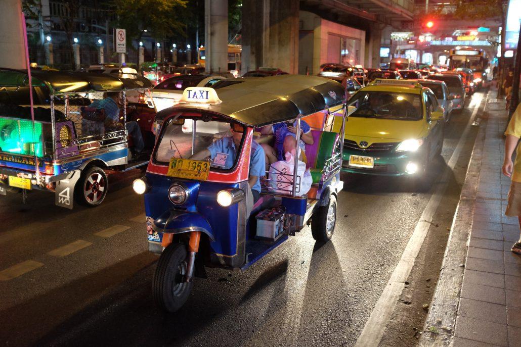 Tayland-tuktuk-4