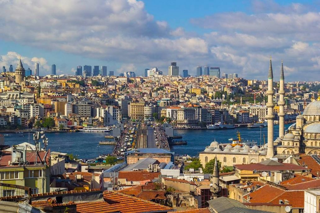 istanbul bogaz manzarasi - buyuk valide han