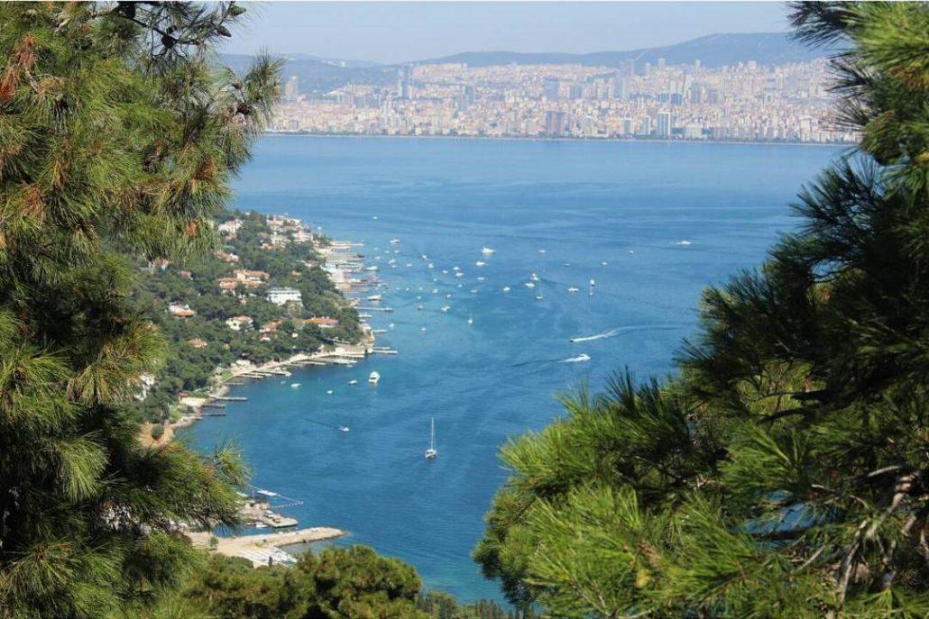istanbulda manzarali tepeler - ayayorgi