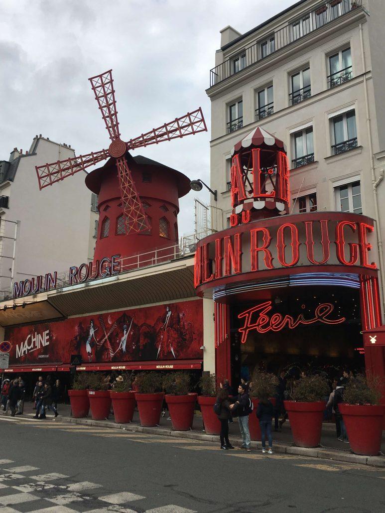 pariste gezilecek yerler - moulin rouge