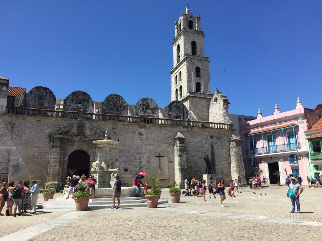 plaza de san fransisco - havanada gezilecek yerler