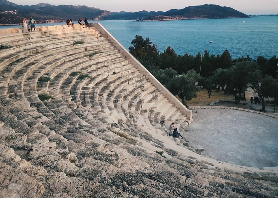 kas gezilecek yerler - antik tiyatro