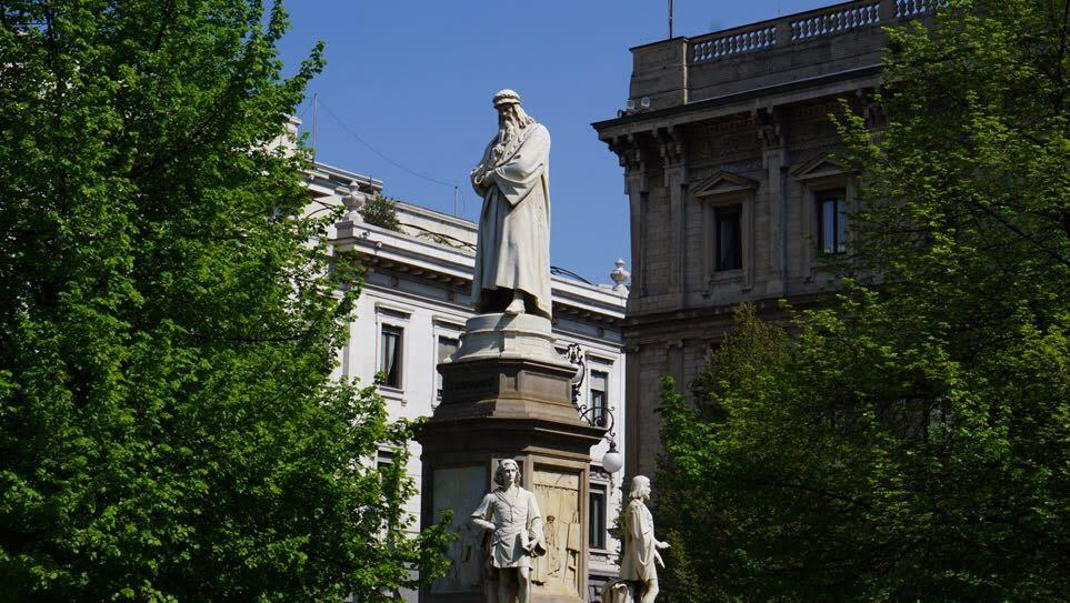 piazza della scala - milano turu