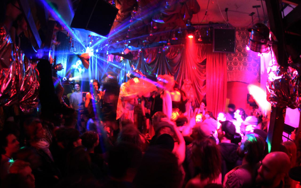 kitkat - berlin gece kulübü