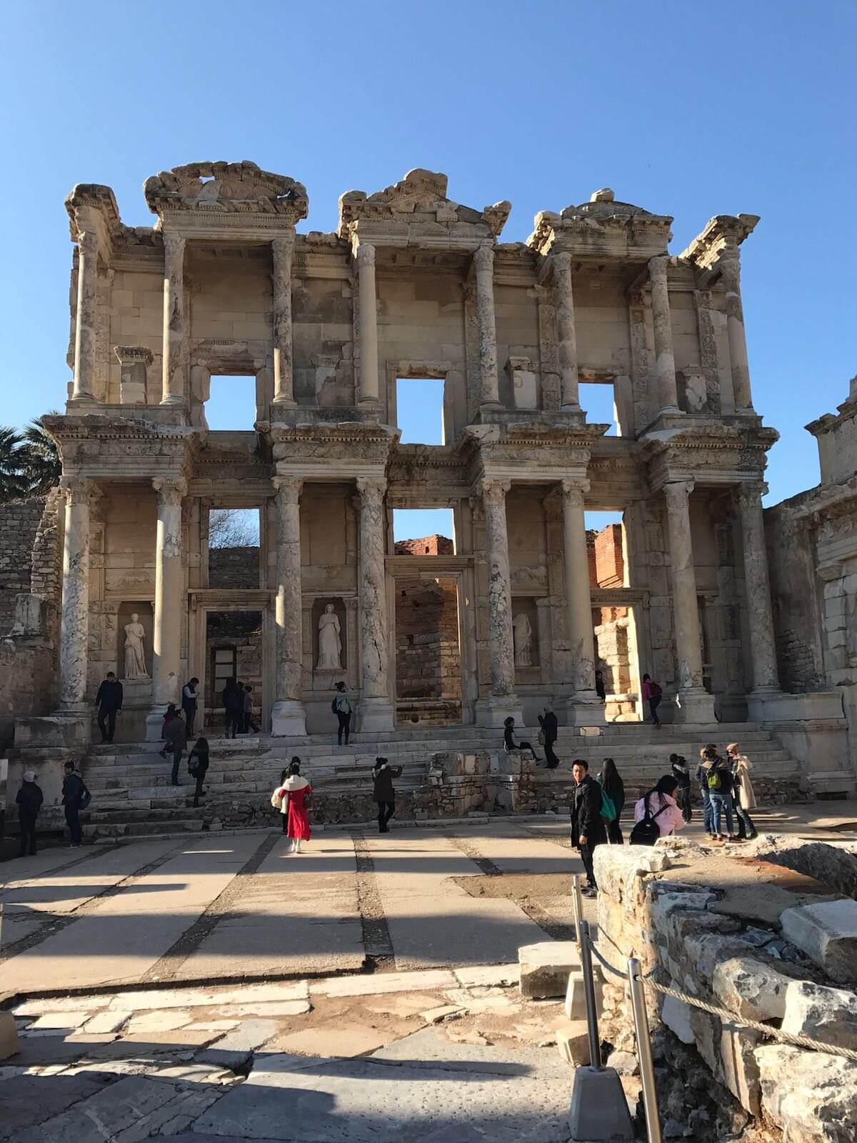 Kuşadası Yakınında Gezilecek Yerler - Efes