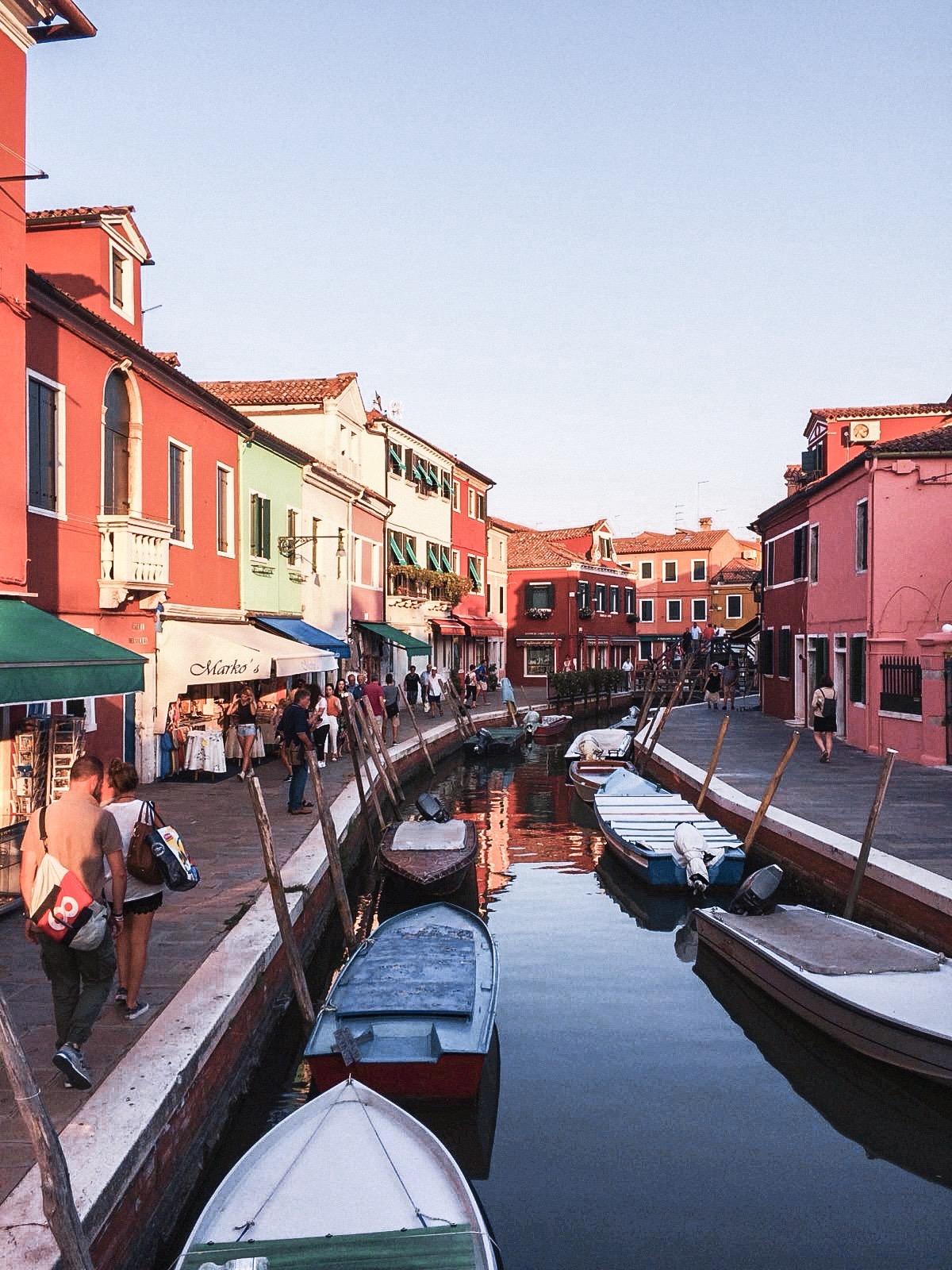 Burano-İtalya'da Gezilecek Yerler