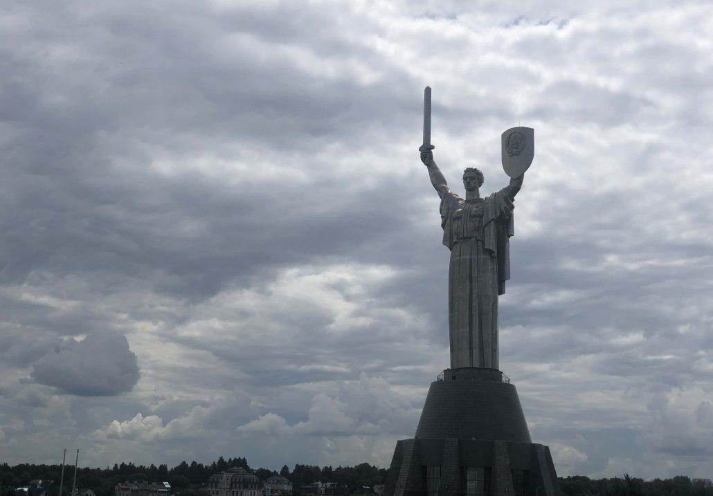 anavatan-heykeli-kiev-gezisi