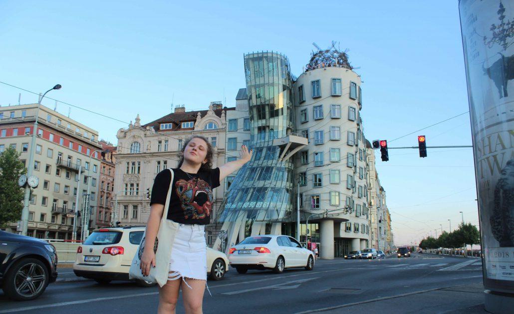 prag'da gezilecek yerler - dans eden ev