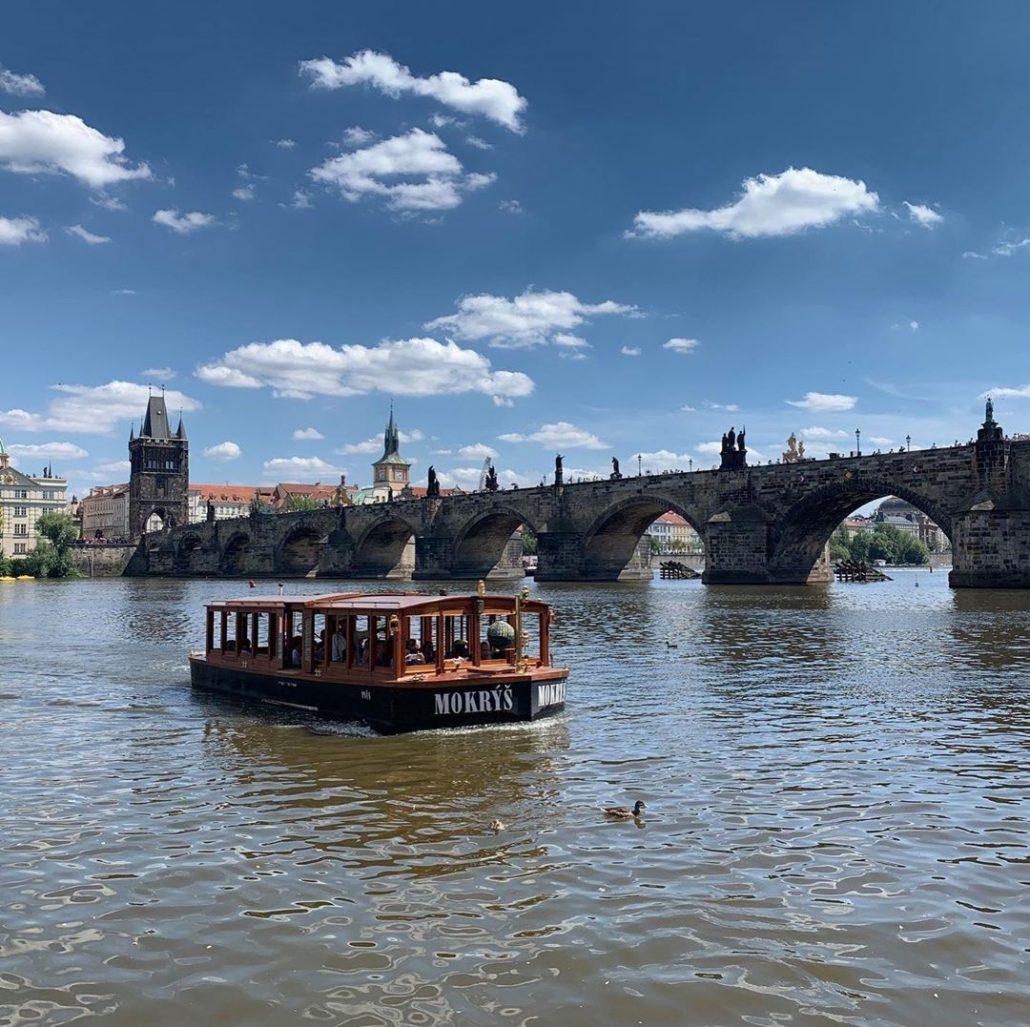 prag'da gezilecek yerler - karl köprüsü