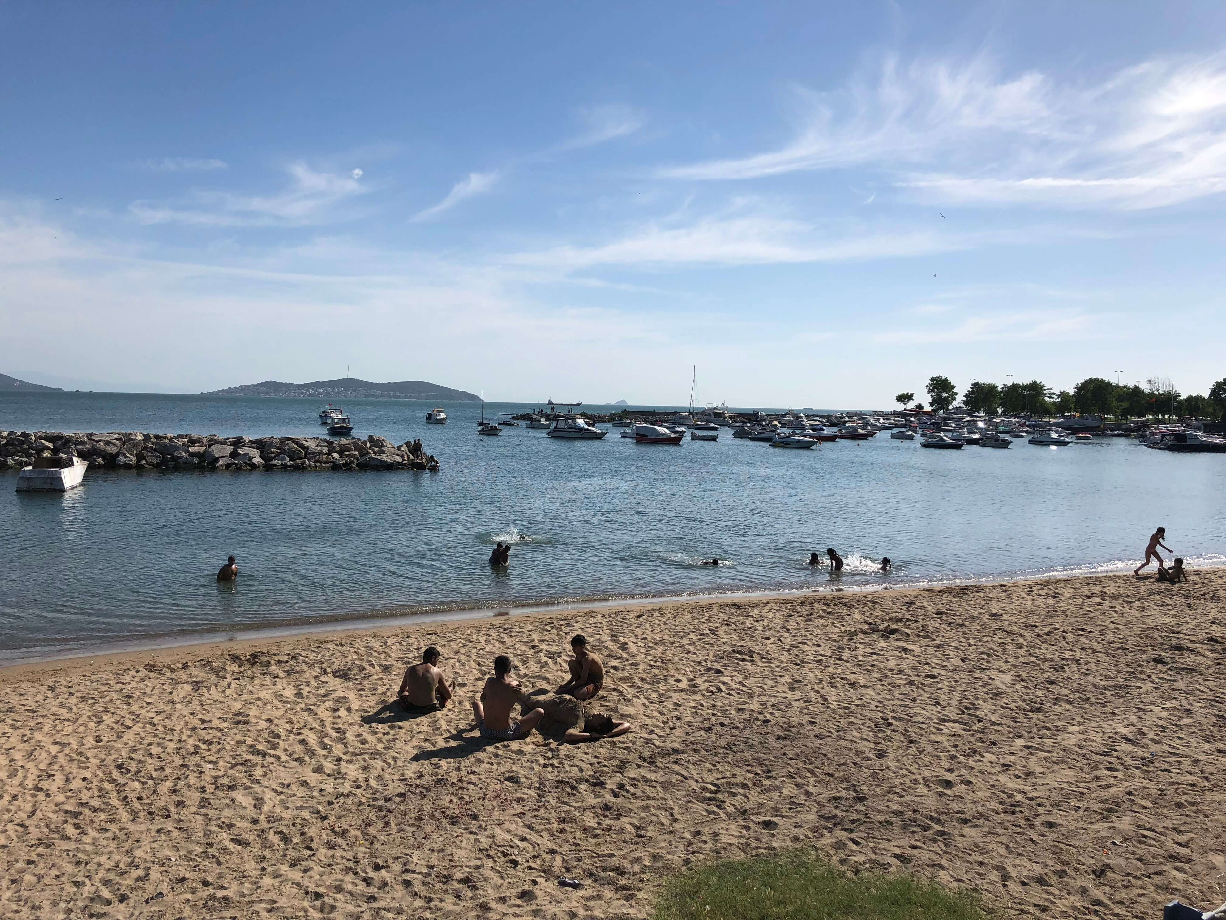 en güzel istanbul plajları - suadiye plajı